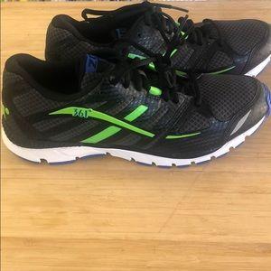 361 degree men's athletic shoes size 10